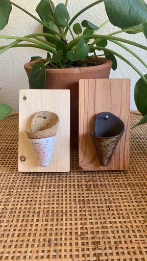 ~2x Handcrafted Pottery Wood Air Plant Holder~ for Sale in Auburn, WA