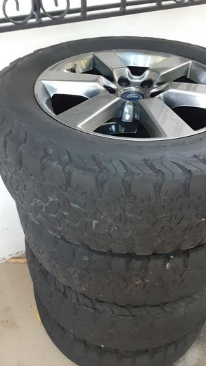 Rims and tires ford f150 for Sale in Miami, FL