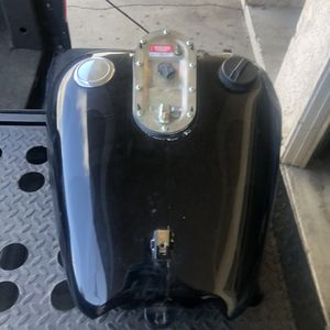 Harley Davidson Road King Gas Tank for Sale in Downey, CA