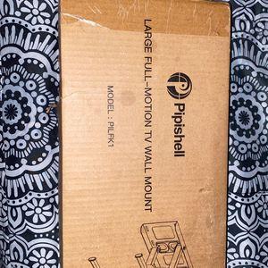 FULL MOTION TV WALL MOUNT for Sale in Auburn, WA