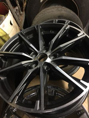 2, rims chrome white and black like brand new 17/8 for Sale in Columbus, OH