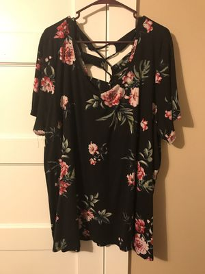 ***PLUS SIZE WOMEN'S BLACK AND FLORAL SHIRT CRISS CROSS BACK SIZE 3X*** for Sale in Portland, OR