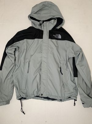 New men's north face black gray jacket/ shell size L for Sale in San Diego, CA