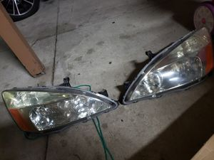 2003 HONDA ACCORD EX OEM ORIGINAL HONDA FRONT HEAD LIGHTS for Sale in Ontario, CA