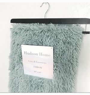 Seafoam Green Fur Throw Blanket for Sale in Phoenix, AZ