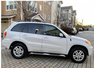 Super car / Super offer Toyota RAV4 FWDWheels for Sale in Virginia Beach, VA