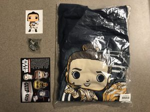 Rey T-Shirt XL + Sticker + D-0 Pin Funko Pop Smugglers Bounty Large droids C3P0 BB8 D0 for Sale in Addison, TX