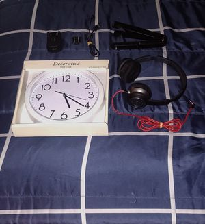 Monster headphone, wall clock, tablet stand, worth $70 for Sale in UNIVERSITY PA, MD