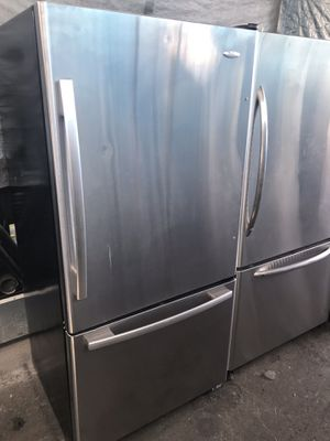 $399 Bottom Freezer 33 wide Stainless Steel fridge refrigerator w/ delivery & written guaranty for Sale in Los Angeles, CA
