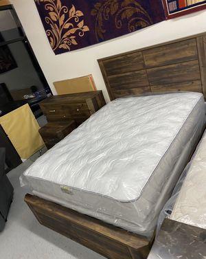 Furniture mattress- 🔥🔥Queen (PLUSH) Mattress + box spring 🔥🔥 for Sale in North Highlands, CA