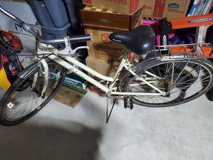 Schwinn women's off white bike for Sale in Leander, TX