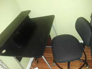Table and chair for Sale in Orlando, FL