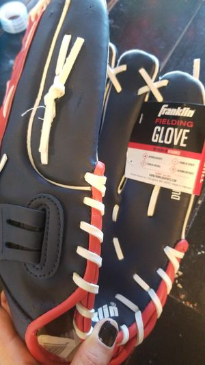 Softball glove for Sale in Seattle, WA