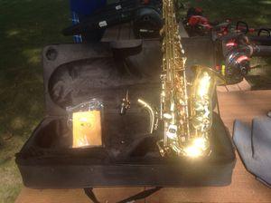 Saxophone, Mendini, Cecolio for Sale in O'Fallon, IL