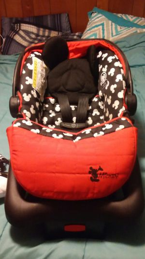 Mickey mouse car seat for Sale in Fort Smith, AR