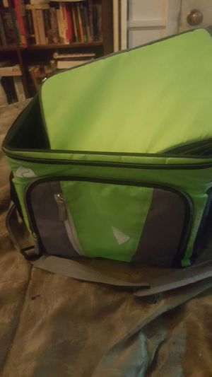 XL Cooler for Sale in Frederick, MD