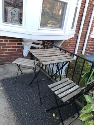 Patio table and chair for Sale in Baltimore, MD
