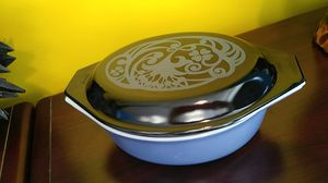 Vintage Pyrex 043 1.5qt with lid Midnight Bloom for Sale in Chesapeake, VA