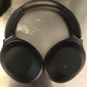 Sony 100xm2 With Case and AUX Cable for Sale in El Segundo, CA