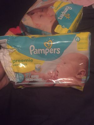 23 Preemie pampers for Sale in Chicago, IL