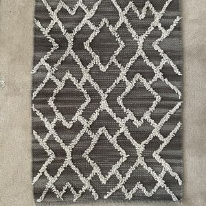 Target Rug 26 x 38 Inches for Sale in Silver Spring, MD