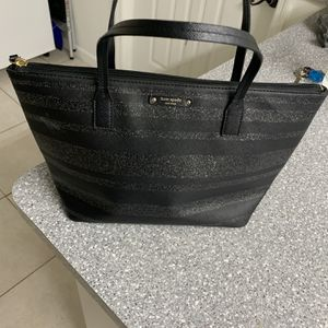 kate spade New York Hand Bag for Sale in Miami, FL