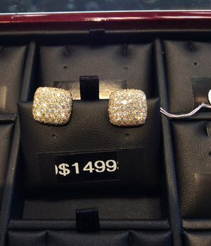 Beautiful 2 carat total in Diamonds Earrings for Sale in Woodbridge, VA