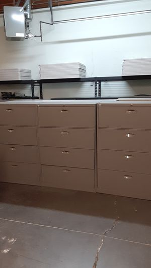 Gray SteelCase 4 Drawer Lateral File for Sale in Tigard, OR