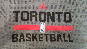 Adidas Toronto Raptors T-shirt for Sale in Columbus, OH