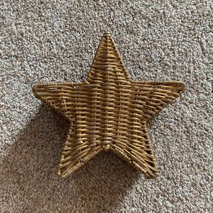 ‼️Gold Star Wicker Basket‼️ for Sale in Edgar, WI
