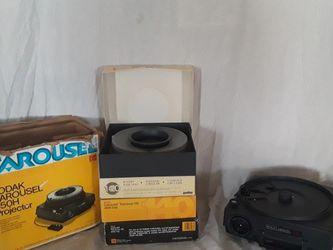 Kodak Slide Carousel 650 H projector And Trays for Sale in Visalia,  CA