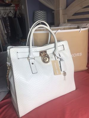 💰❤️❤️$260 PRICE REDUCE ONLY 3 DAYS MICHAEL KORS LEATHER for Sale in Rialto, CA