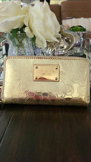 Michael kors gold wallet wristlet small for Sale in West Covina, CA