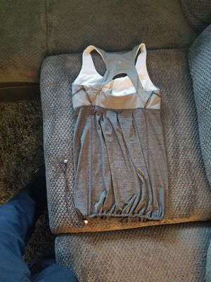 Lululemon shirt women's size 8 for Sale in Franklin Park, IL