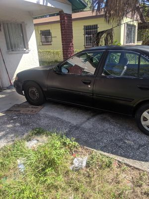 2000 Nissan Altima runs and drives for Sale in Tampa, FL