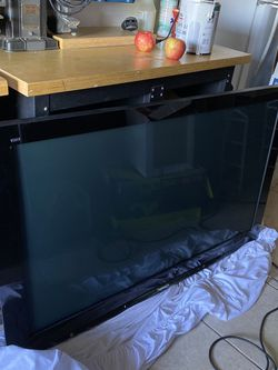 Panasonic 58 Inch Tv for Sale in Irvine,  CA