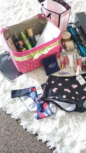 Victoria's Secret beauty lot for Sale in Oak Harbor, WA