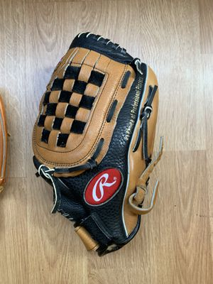 Rawlings 13 inch glove for Sale in Oakland, CA