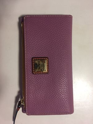NWOT Dooney & Bourke Pebble Leather Foldover Wallet for Sale in Arlington, VA