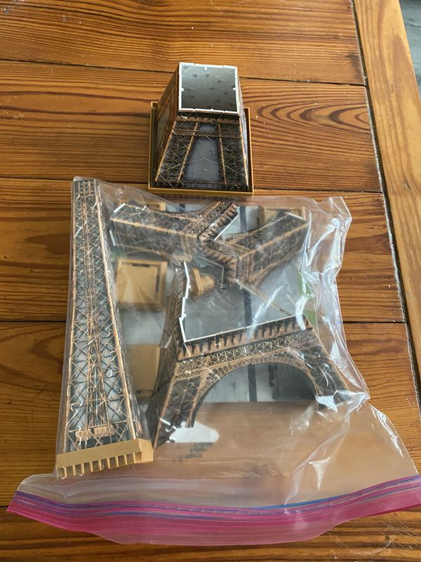 3D Eiffel Tower Puzzle with Stand and Placemat