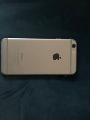 iPhone 6 Silver (Great condition) No screen protector(Unlocked) for Sale in Gilbert, AZ