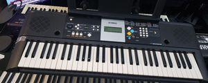 Yamaha PSR-E223 61- Key Portable Keyboard for Sale in Boca Raton, FL