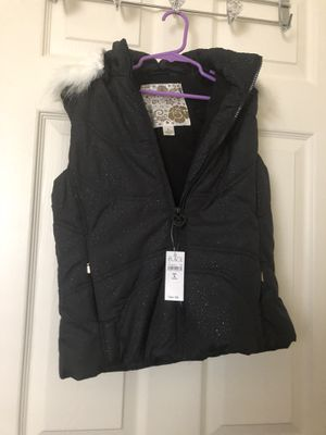 Black youth size 10-12 vest with hood for Sale in Reston, VA
