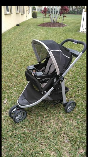Jogging stroller for Sale in Royal Palm Beach, FL