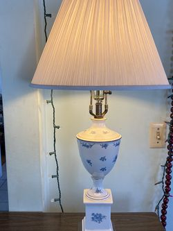 Vintage Ceramic Floral Pattern Lamp for Sale in Placentia,  CA