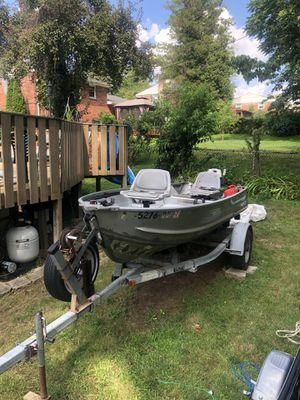 14ft Jon Boat for Sale in Broomall, PA