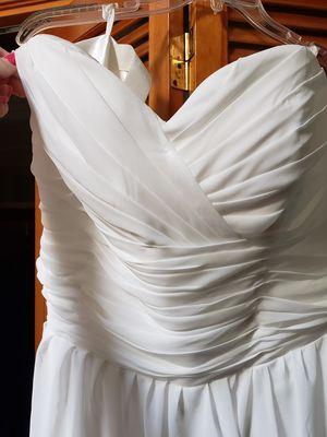 ELEGANT CHIFFON WEDDING DRESS for Sale in Renton, WA