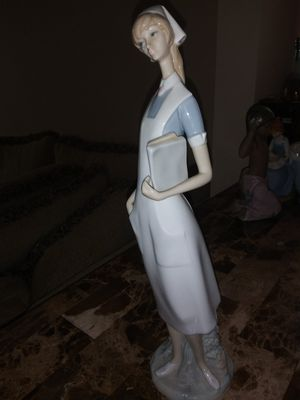 Vintage LLADRO SPAIN PORCELAIN GLAZED NURSE#4603 FIGURINE for Sale in Chicago, IL
