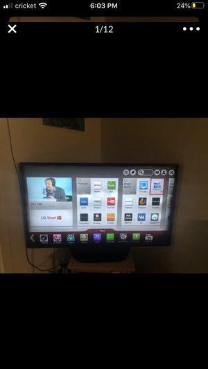 50 inch LG smart tv for Sale in Bellevue, WA