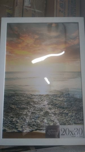 20 X 30 poster frame for Sale in Riverside, CA